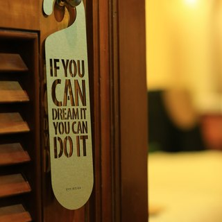 "[EyeDesign see design] one sentence door hanging ""IF YOU CAN DREAM IT YOU CAN DO IT"" D07"