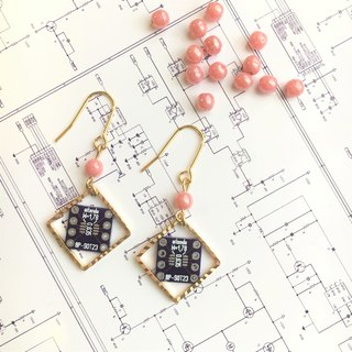 【Electronic parts】 Violet PCB (salmonpink-beads) Earrings