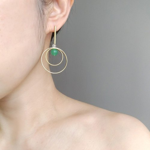 Rotate 2-Brass Green Dongling Stone Pin Clamp Earrings