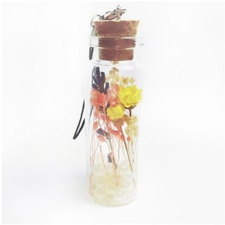 / Puputraga / Flowers Season / Buy ~ No separate sale ~ Dried flower key ring Christmas wedding small objects