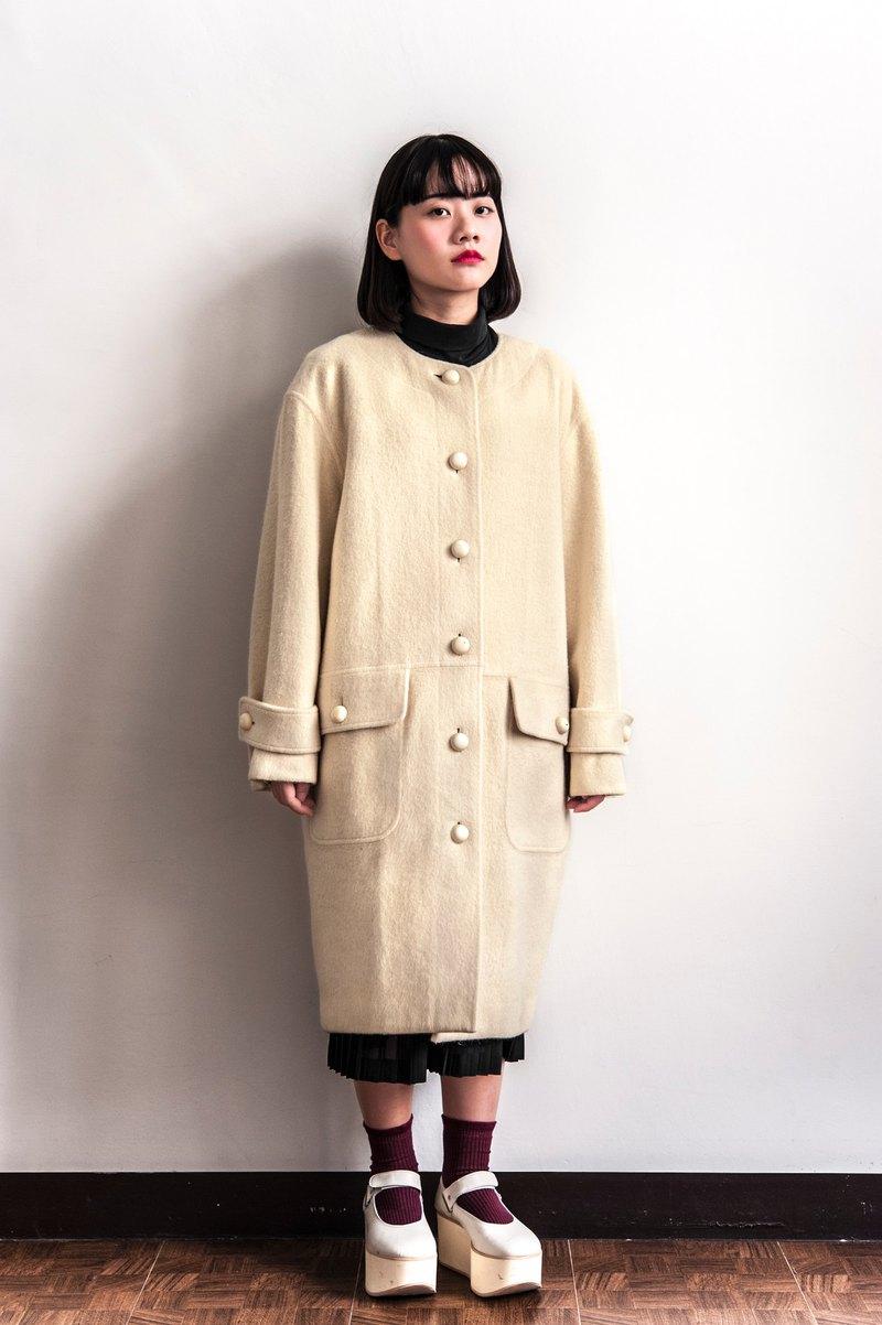 ddc47c51df3b2 Vintage GIVENCHY Life white rice branded vintage coat