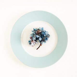 Corsage: antique hydrangea branch to the blue series