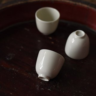 Natural grass ash glaze milk white tea cup handmade smell cups 茗 small tea cup