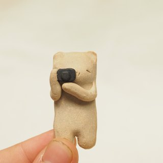 Ceramics Bear Brooch ~ Uncle Mii n' Camera