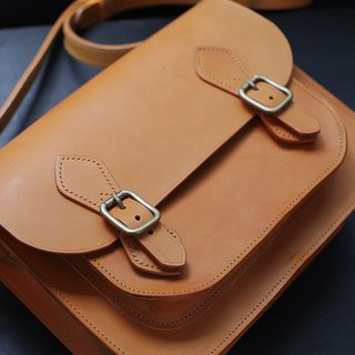 [Gray tanned leather] [Camel] [Magnetic buckle] British Cambridge package