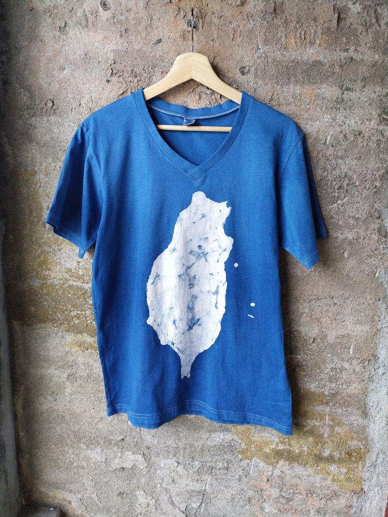 自在染isvara 手工藍染蠟染 純棉T-shirt 地圖系列  台灣