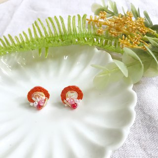 Hand-made embroidery / / orange garden embroidery earrings / / can be clipped