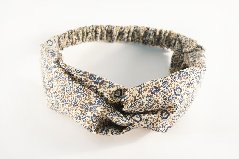 Blue small floral / hand loose hair band