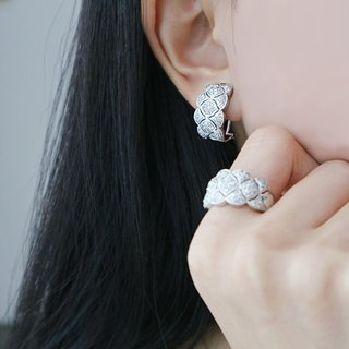 Clouds personalized diamond earrings