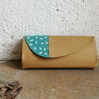 [With the coating series] turquoise and white point organ wallet
