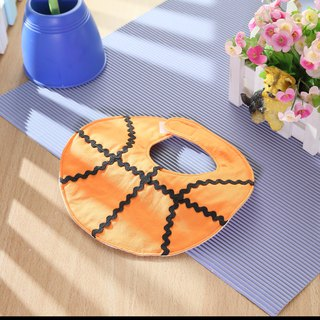 Basketball shape bib pocket saliva towel
