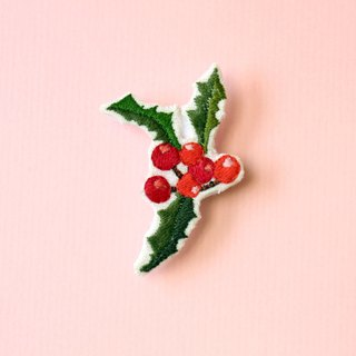Mini hand embroidered brooch / pin Christmas limited mistletoe
