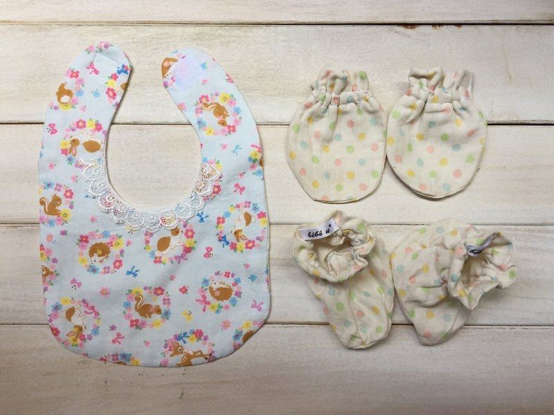 Handmade newborn female baby bibs cute little squirrel moon births attached gift packaging