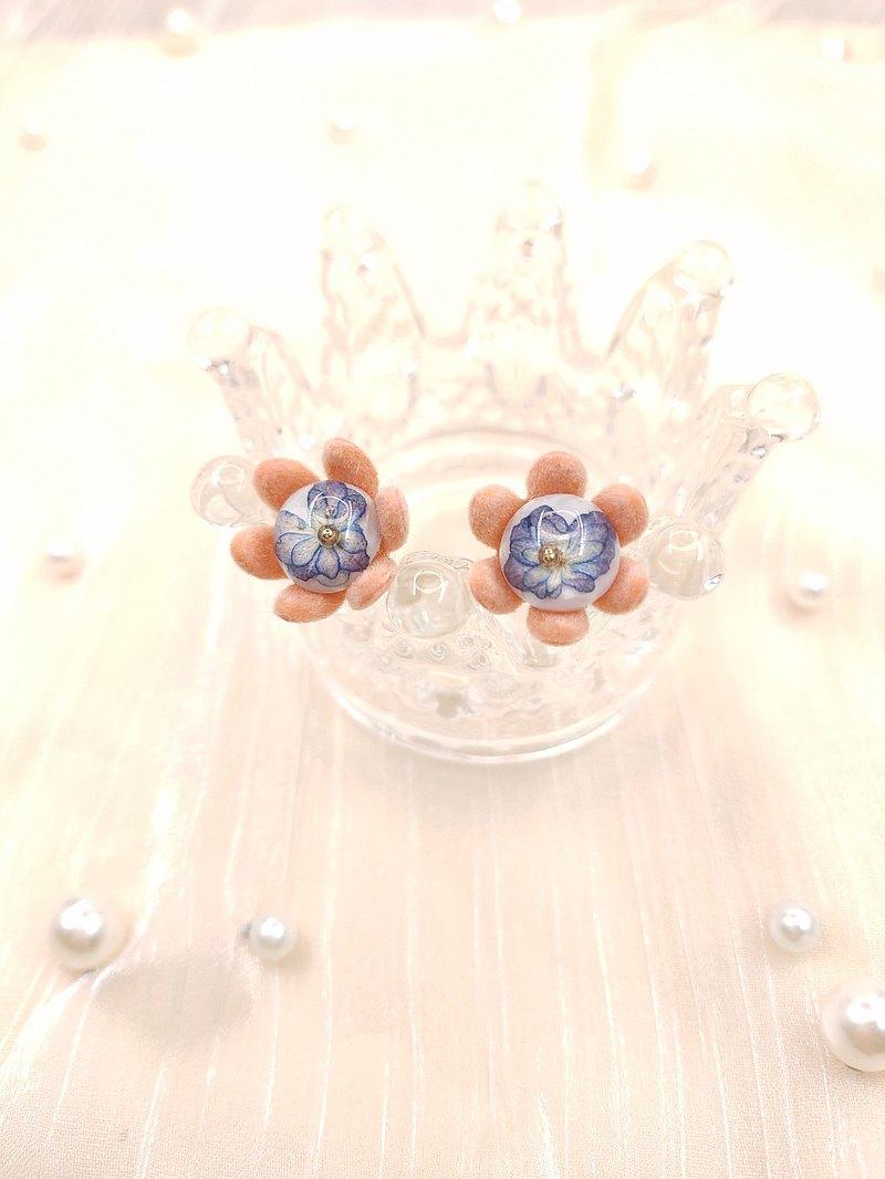 | 春之花釀 | 繡球花-藍 / 押花手工耳環
