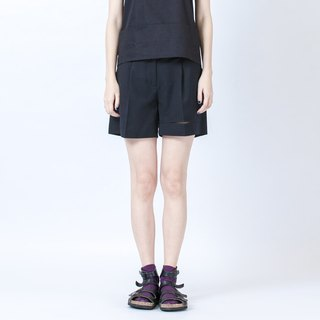 裂縫短褲 Short Trousers With Hem Details
