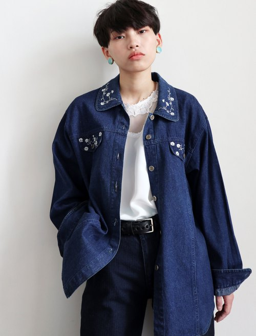 Pumpkin Vintage. Vintage Embroidery Flower Denim Jacket