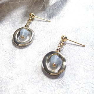 VIIART. Small circle - light blue. Vintage Gold Sea Sapphire Earrings - Clipable