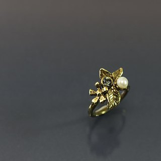 Beautiful flower brass ring