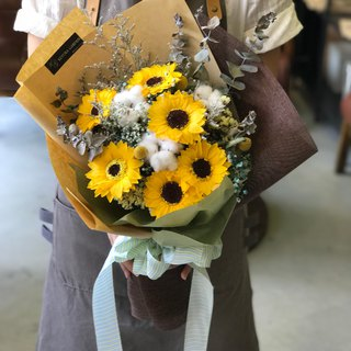 璎珞 Manor * Not withered. Eternal Flower / Gypsophila Bouquet / G109 / Valentine's Day Bouquet / Sunflower Bouquet