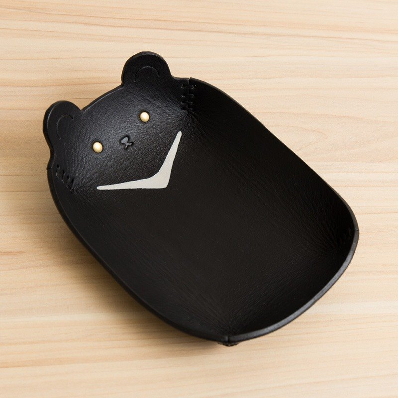 Hand-painted leather storage tray (large - Taiwan endemic - Taiwan black bear)