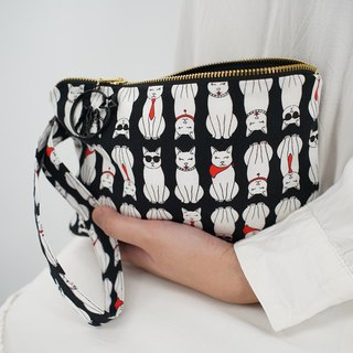 Wristlet in White Cats on Black