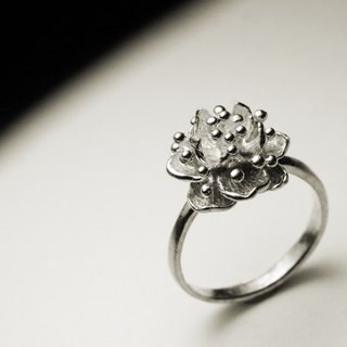 Cactus flower ring
