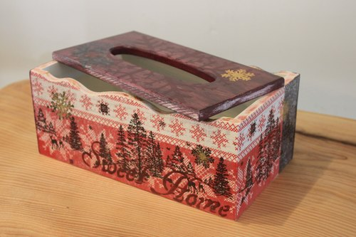 Butterfly Workshop} Christmas red and gold wood tray surface