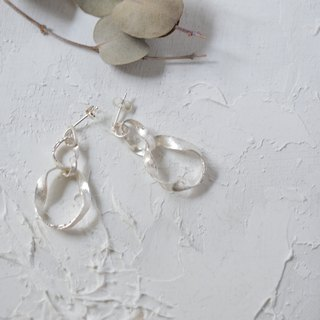 """to be continued""silver piearced earrings"