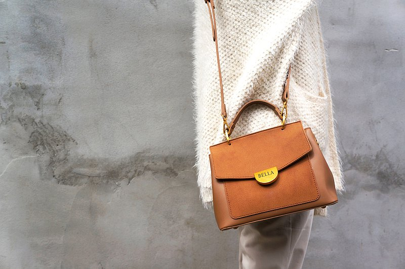 Hand-held shoulder bag brown free hardware accessories engraving (ex:BELLA) exclusive customization