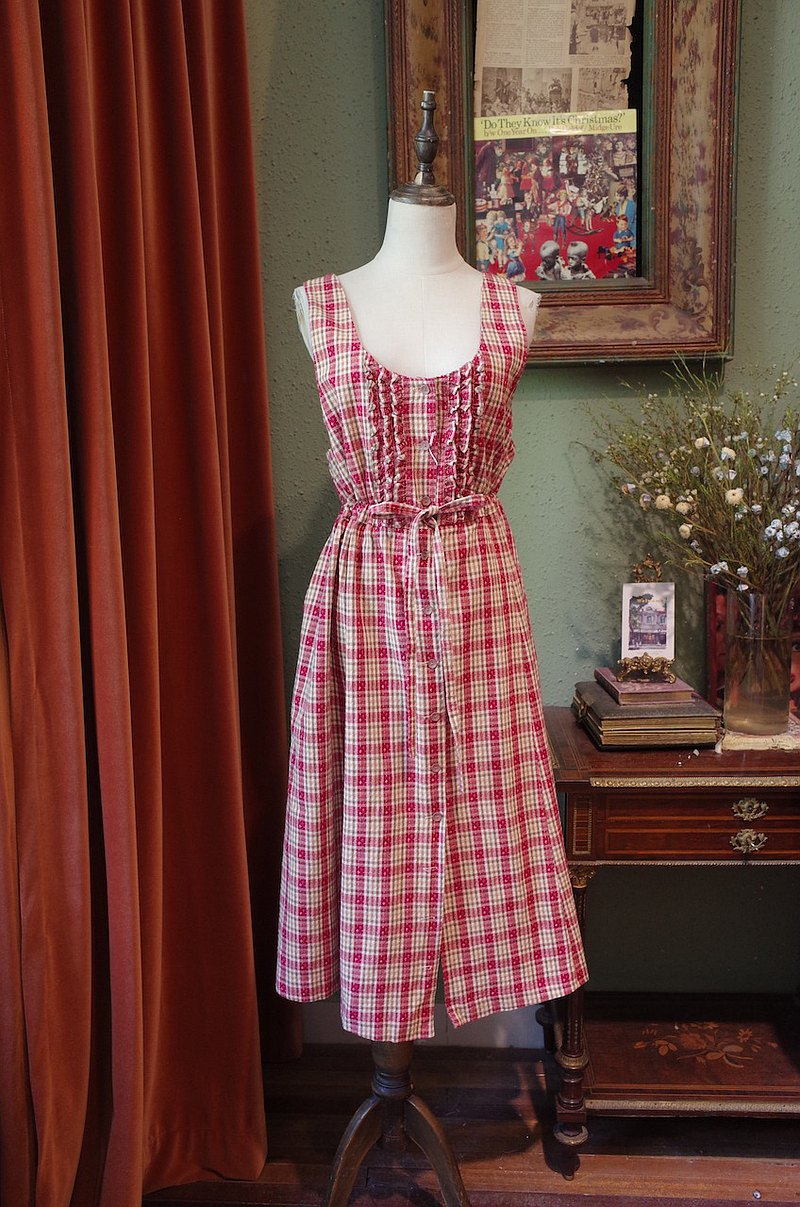 vintage embroidered checked dress with wood ears