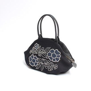 Retro flower embroidery · almond bag