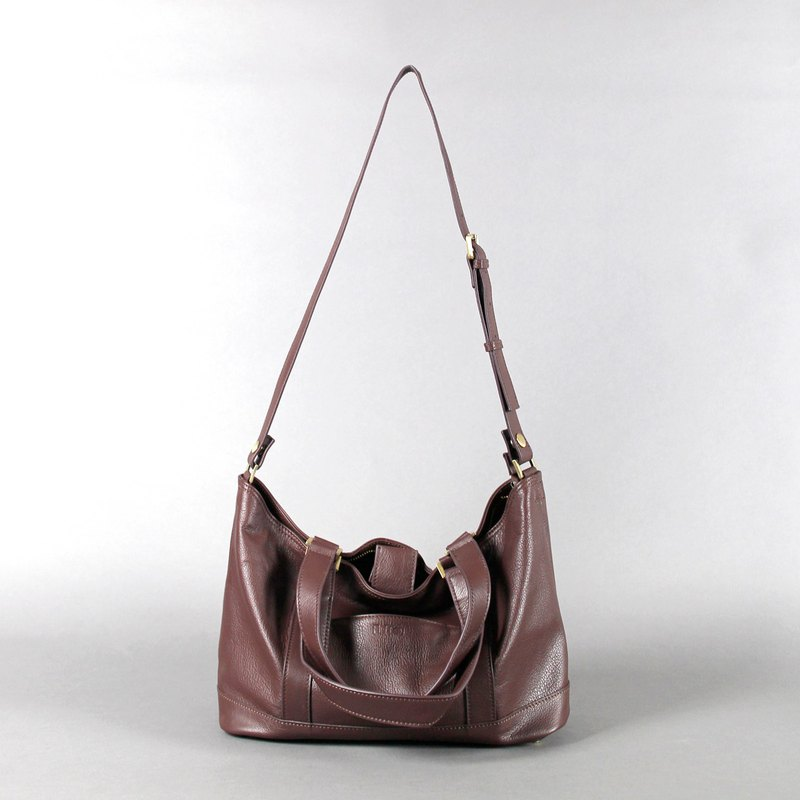 Passion handbag chocolate color hand / shoulder / hatchback