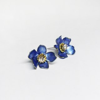 half's half- bloom (small flowers blue-violet) - Flowers / Drilling / auricular / ear clip / needle / earrings / resin