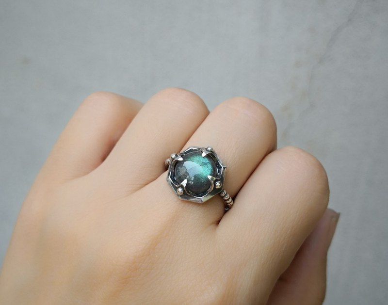 OCTAGON Ancient Silver Labradorite Ring