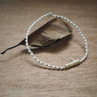 【Weaving Small Things | Guava Tree Ornament Series | Tree Tree Necklace】 White