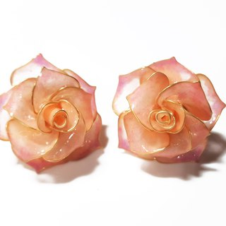 Miss Paranoid Paranoia Mini Double Color Rose Resin Earrings