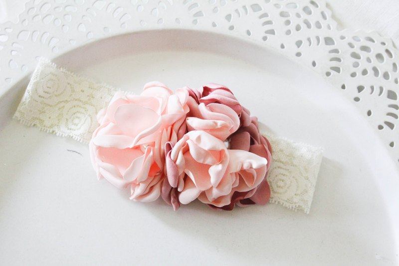 Sweet House hand-made baby pink flower elastic hair band section