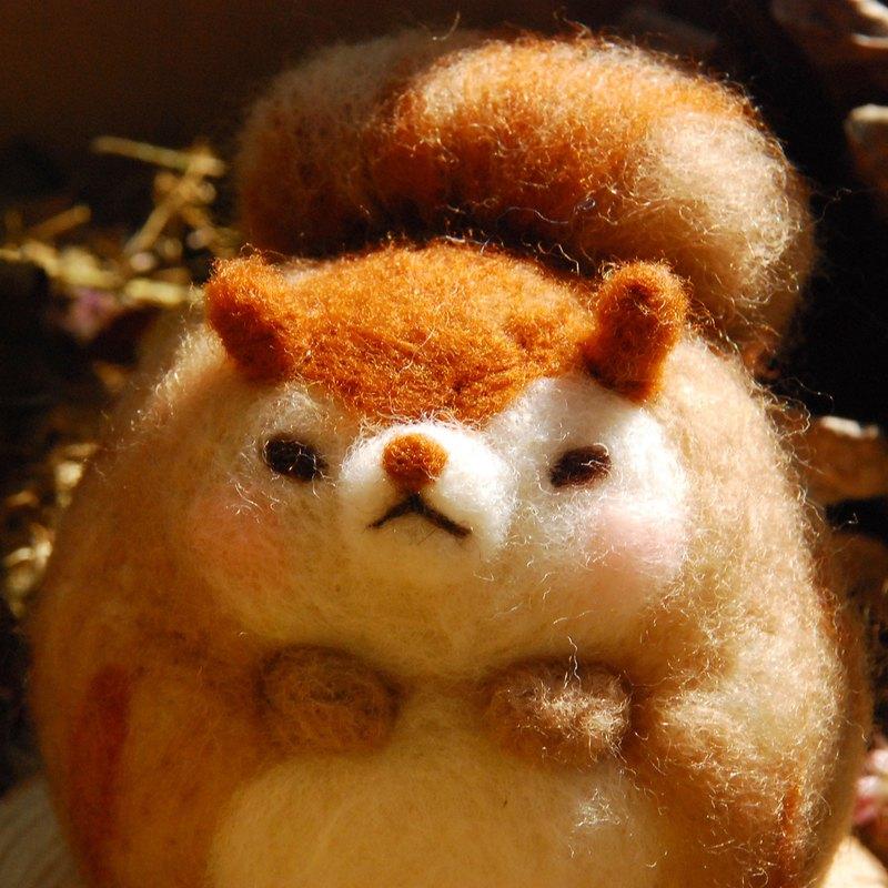 很胖的胖松鼠 羊毛氈娃娃