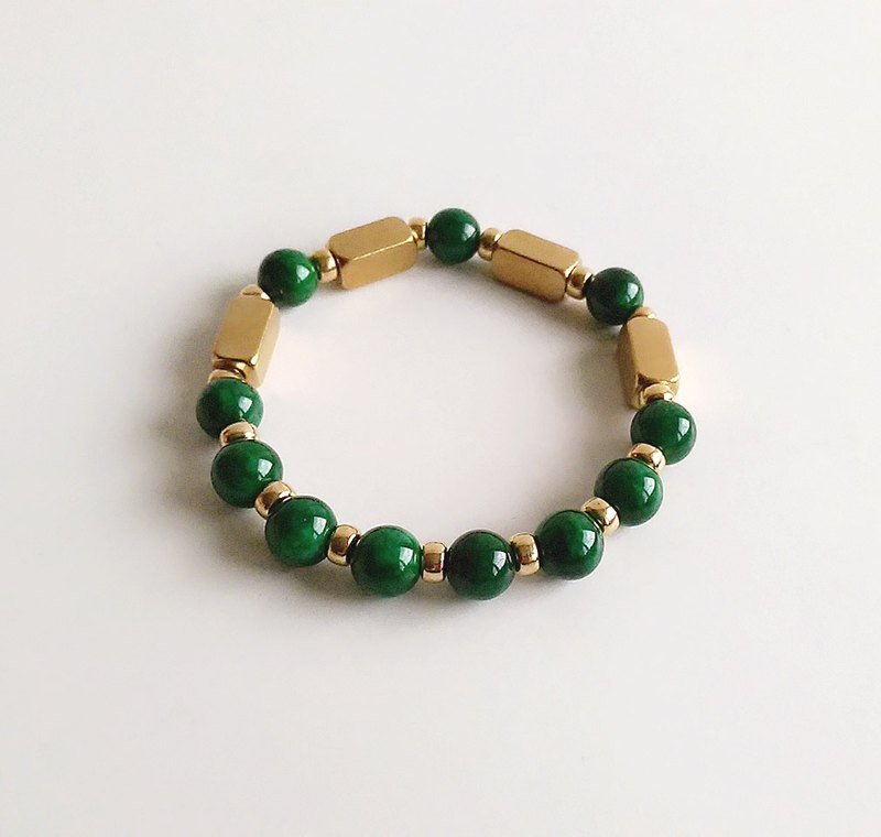 [Gemstones] heart of the heart is not iron ore raw materials brass bracelet