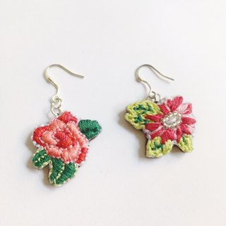 Embroidery earrings flowers