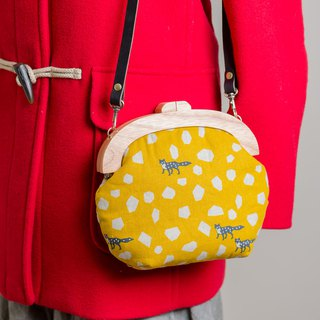 Little prince's fox yellow bottom / wooden mouth gold bag / retro cross-body bag / small section / fat nest hand made