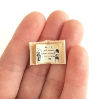 A small small miniature book. ♡Lovesickness