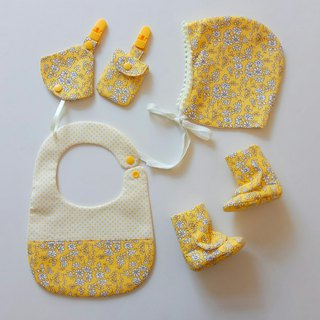 Miyuki Gift Bib + Ping Fu Bag + 2 in 1 Nipple Clip + Baby Boot + Baby Hat Exclusive for Newborns