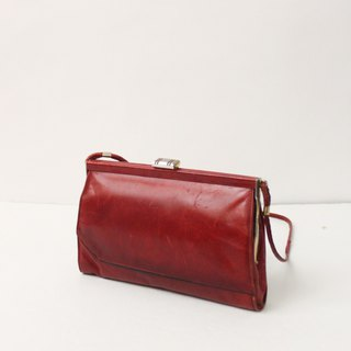 Vintage leather elegant European red shoulder bag evening bag antique bag European Vintage Bag