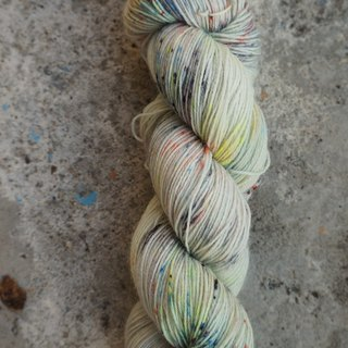 Hand dyeing line. Color pencils. (SW BFL75%)