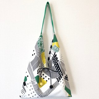 Japanese-style 侧-shaped side backpack / medium size / green geometry + black and white