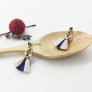 Lao Lin grocery Travelin- classic hand-made tri-color fringed earrings Japan embroidery thread pink / blue / white ear hook l ear needle l ear clip