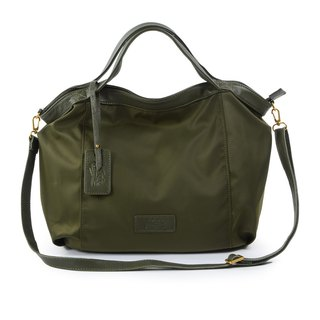La Poche Secrete : Lightweight bag for jumping girls - lightweight nylon _ hand shoulder _M army green