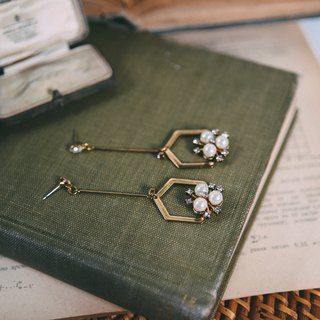 COR-DATE-Geometry-Pearl Rhinestone Earrings