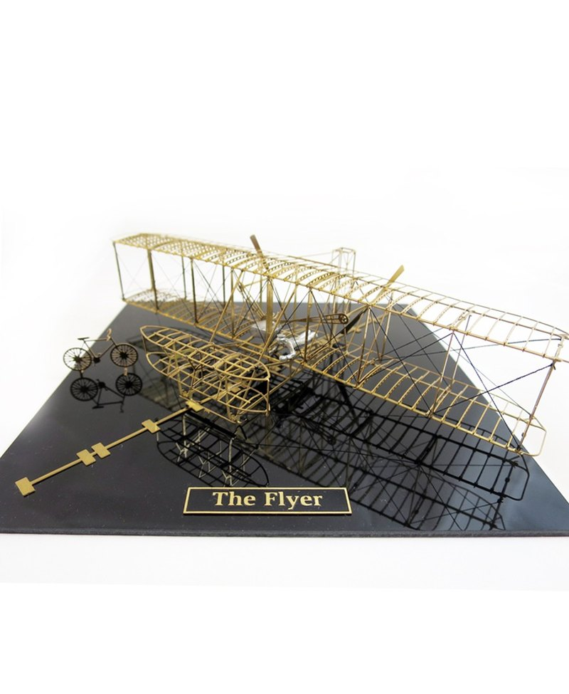 Japan Aerobase Metal Model Assembly Aircraft Flyer (1903) Wright Brothers Flight Machine (1/72)